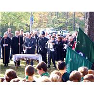 images_2011_Remembrance_remembrance service 1_195_195_True