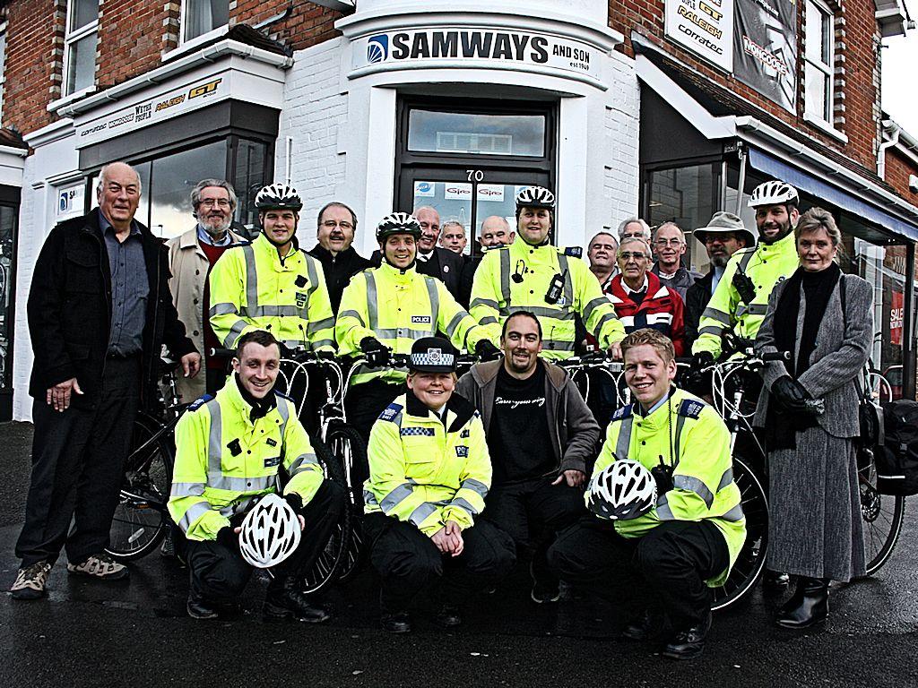 police-cycles-xga
